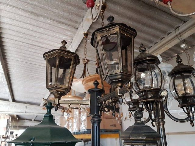 Large lamps & lampshade stocklot
